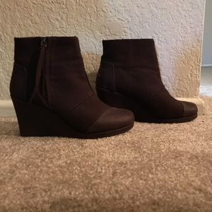 TOMS dark brown wool coated wedge booties Sz W7